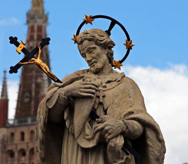 Comment faire restaurer une statue ancienne ?